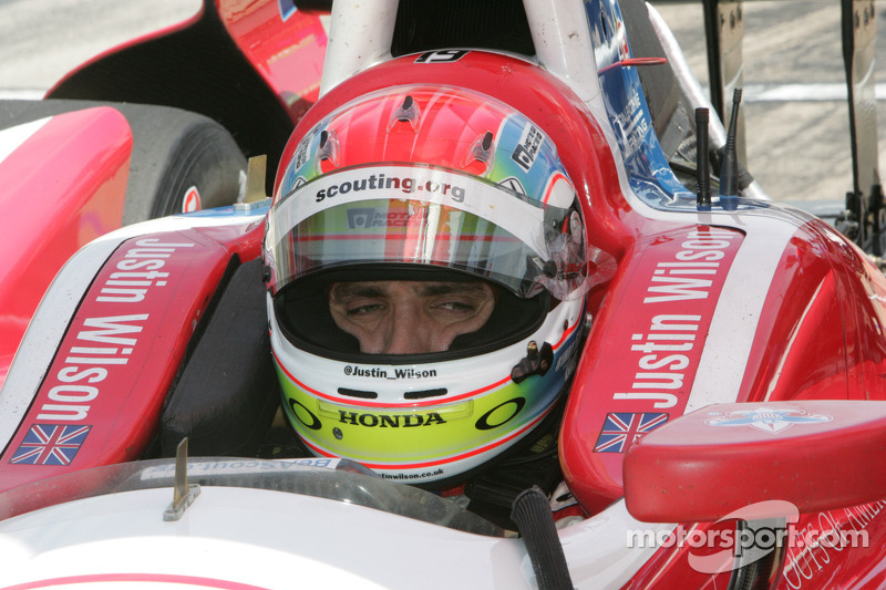 Justin Wilson and Dale Coyne prepare for 2.01/4