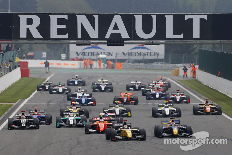 Season 10 of the World Series by Renault is underway!