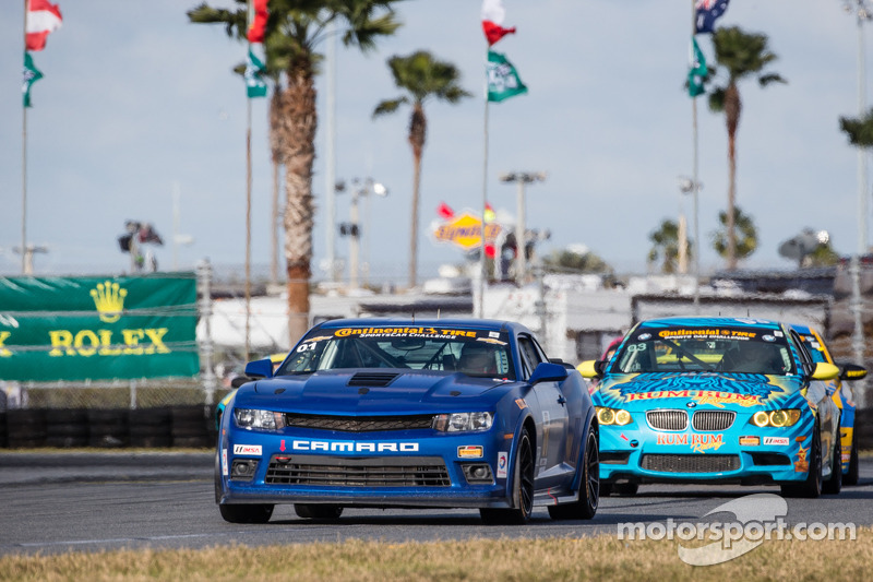 Sebring CTSCC: Front-row start for new Camaro Z/28.R