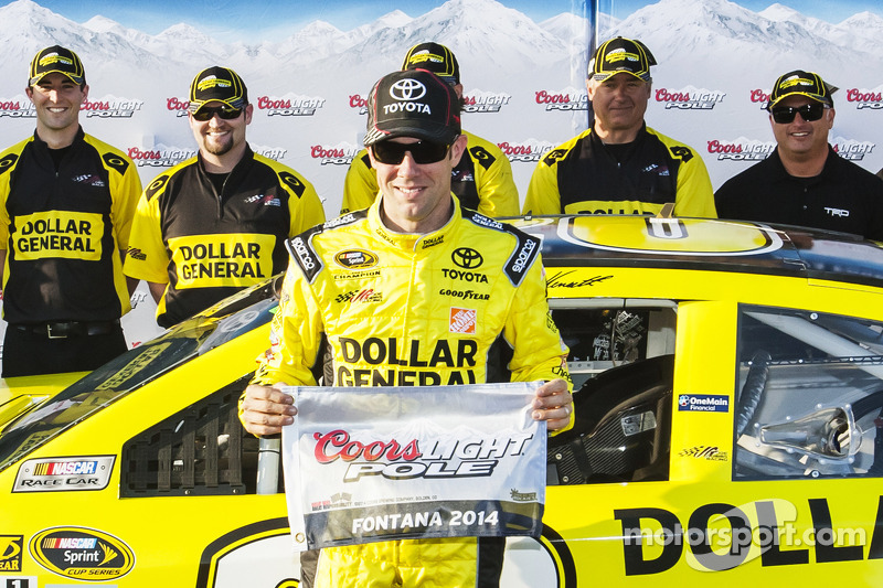 Kenseth takes pole in Fontana