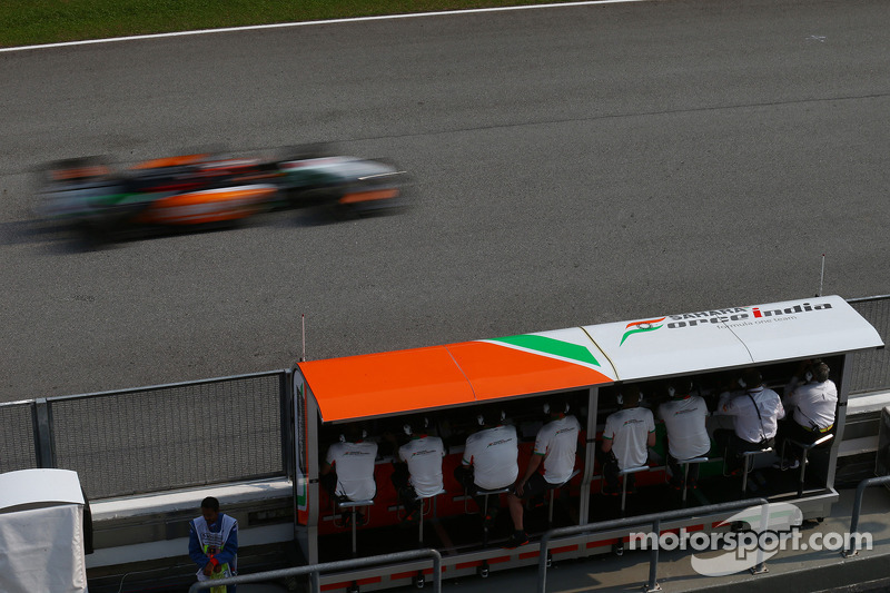 Force India ready to attack Bahrain