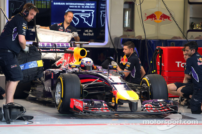 Red Bull encounters electrical issues in second day of testing