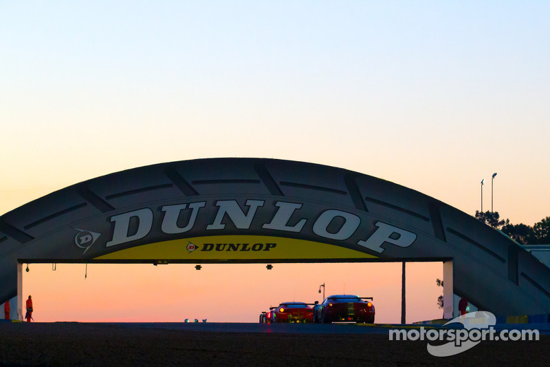 Dunlop Commissions Futurology Report to launch the 'Dunlop Future Race Car Challenge'