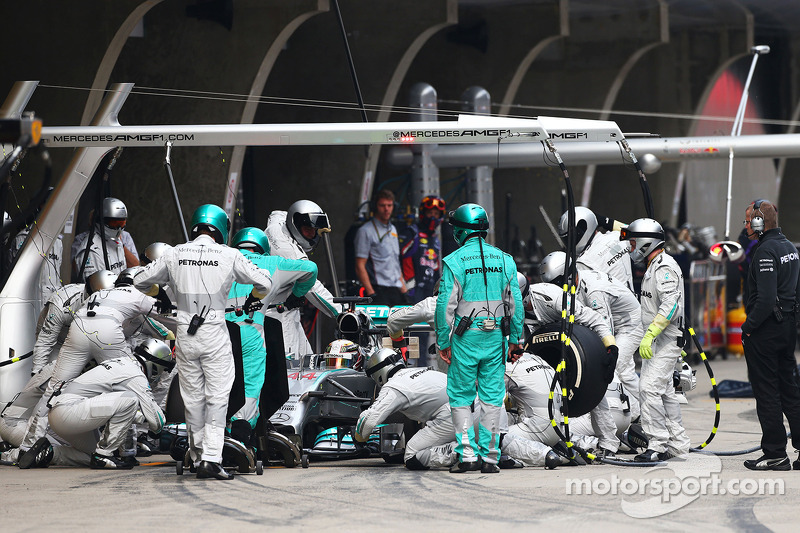 Mercedes confirms F1 psychologist reports