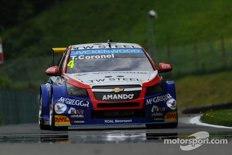 Tom Coronel scores brilliant first podium finish in 2014 - video