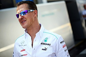 Report - ambulance staff photographed Schumacher file