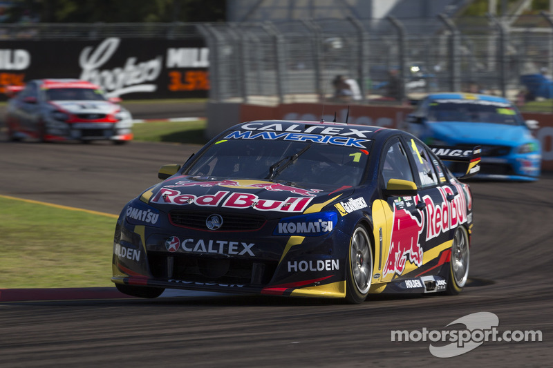 Whincup continues to tear into 'Frosty's' lead with seventh win of the year