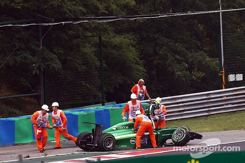 Multiple wrecks plague early portion of Hungarian GP - Alonso out front