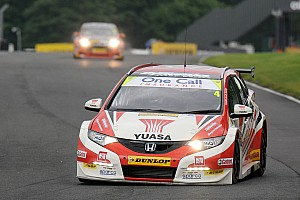 BTCC Race report A podium apiece and plenty of points for Honda Yuasa Racing at Snetterton