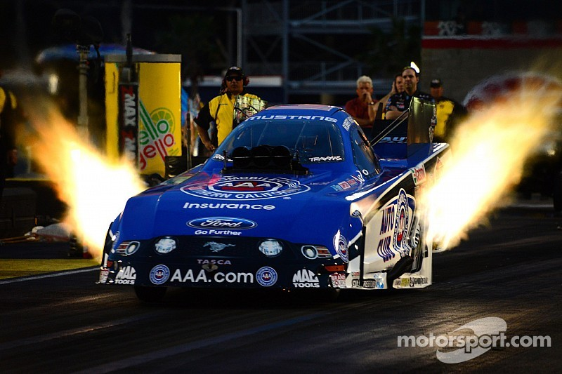 JFR's Robert Hight is set to defend Funny Car title