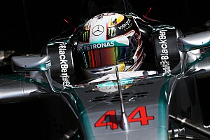 Hamilton powers ahead in FP1 at Monza