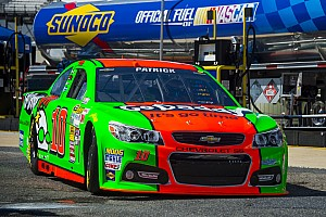Danica Patrick leads at Talladega, but winds up in 19th