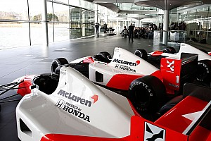 Formula 1 Rumor Mercedes, McLaren to change colours in 2015 - report