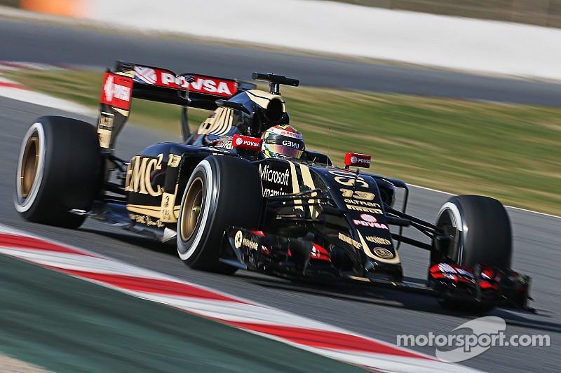 Maldonado puts Lotus on top on first day
