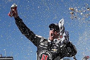 Harvick secures fourth straight victory at PIR