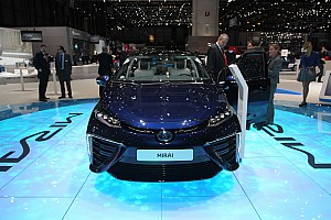 Toyota Mirai takes to the track
