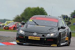 BTCC Race report Plato repels Collard for second Thruxton win