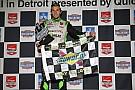 Colombiano Muñoz gana en Detroit