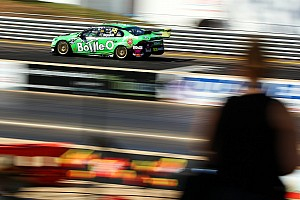 Reynolds even faster in second V8 practice