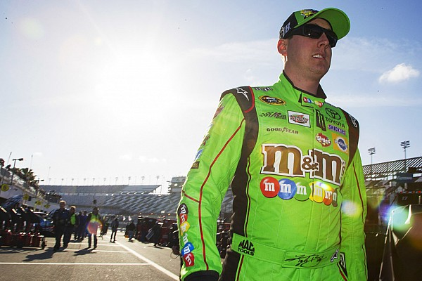 Multi-car wreck stalls first Daytona practice  - video