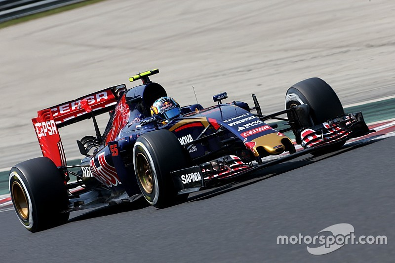 Toro Rosso works on manual starts at Imola
