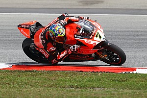 Chaz Davies, Davide Giugliano and the Aruba.it Racing - Ducati Superbike Team together again in 2016
