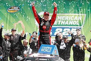 NASCAR Truck Breaking news Nemechek and Custer hope to battle for the 2016 Truck title