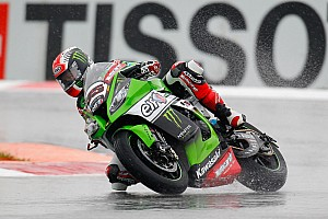 Magny-Cours WSBK: Rea beats Sykes to win wet opening race