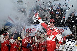 NASCAR Sprint Cup Race report Harvick wins his way into the second round of the Chase