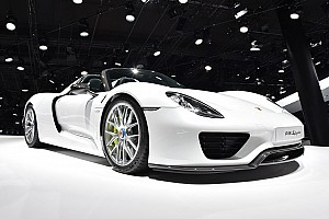 General Breaking news UK millionaire's Porsche 918 motorshow crash injures 26