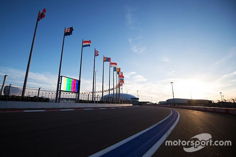 Russian GP: Diesel spill postpones opening practice