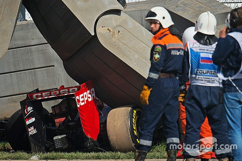Russian GP: Practice halted after big Sainz accident