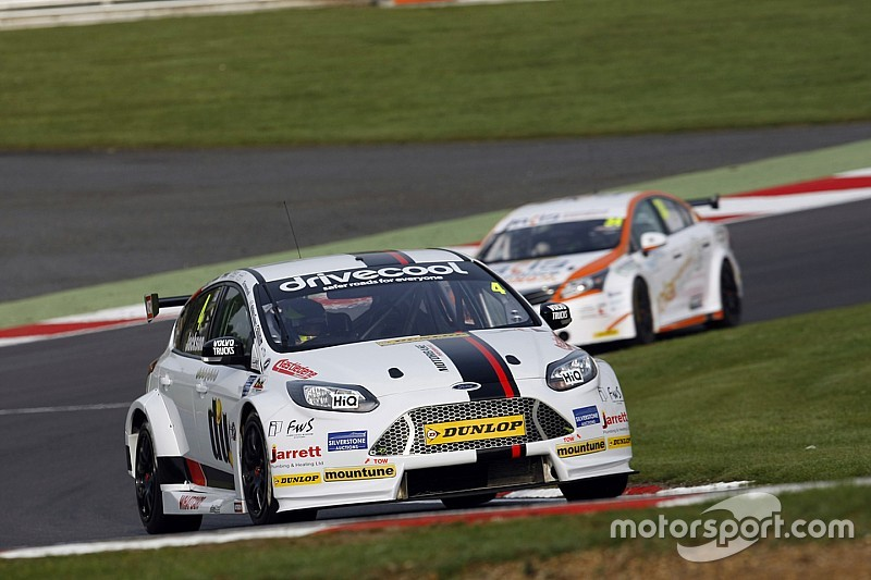 Brands Hatch BTCC: Jackson wins as Plato nudges past Shedden