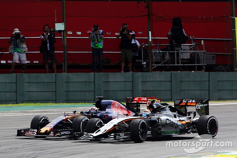 Verstappen: No comparison between my overtakes and Hamilton struggle