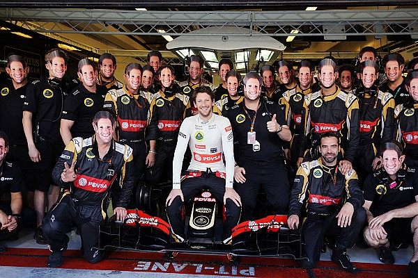 Formula 1 Emotional Grosjean ends Lotus career with charging drive