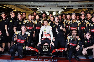 Emotional Grosjean ends Lotus career with charging drive