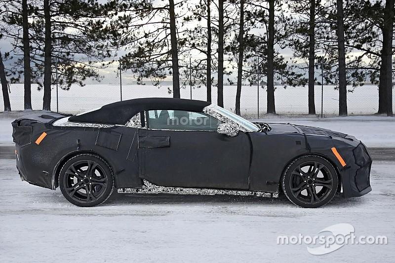 Nieuwe Chevrolet Camaro ZL1 Convertible duikt op in camouflage