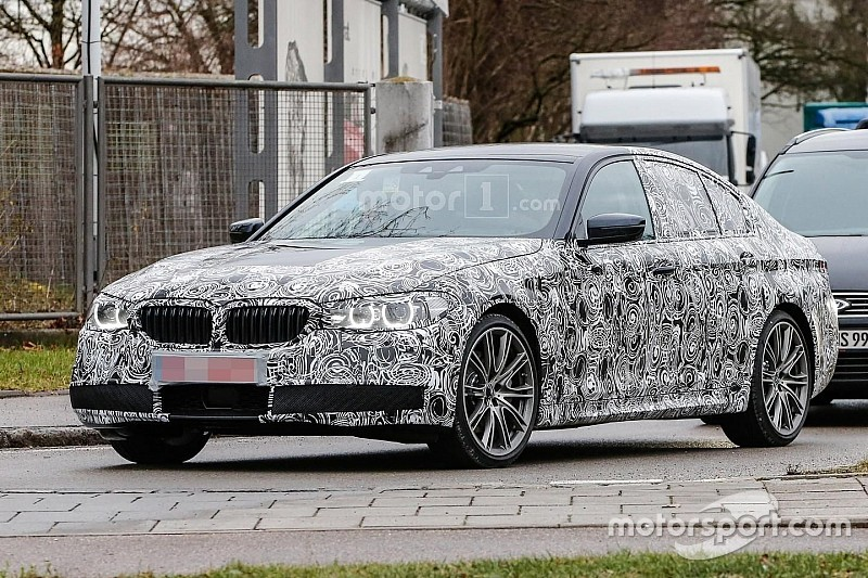 Spyshots BMW 5 Serie geven eerste blik op 2017-model