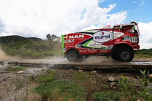 Dakar Rapport d'étape Camions - Versluis finit bien, De Rooy tranquille