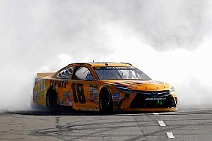 Monster Energy NASCAR Cup Raceverslag Kyle Busch domineert in Martinsville