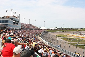 IndyCar Breaking news Iowa Speedway extends IndyCar and sponsor contract