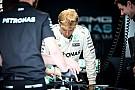 Sepang, Libere 1: Rosberg al top dopo le fiamme al box Renault