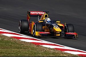 GP2 Reporte de la carrera Golpe al campeonato: Giovinazzi líder