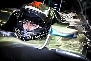 """F1を乗りこなしてみせたロレンソ。それでも「コーナーでは""""別世界""""」"""