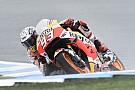 Marquez si prende la pole a Phillip Island, Valentino in quinta fila