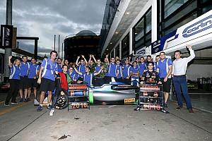 Formule 3 Actualités Carlin - Quand on a les bons pilotes, ça fait la différence!