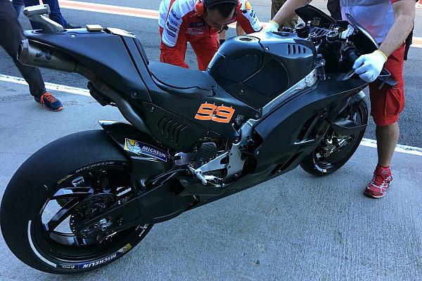 MotoGP BRÉKING MotoGP: A Seat is megérkezett a Ducatihoz!