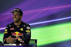 Ricciardo VIP jegyet kapott az NBA meccsre