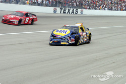 #15 Michael Waltrip has a bad day