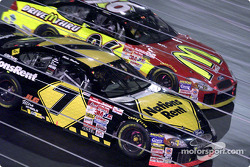 Mike Wallace races side by side with Andy Houston